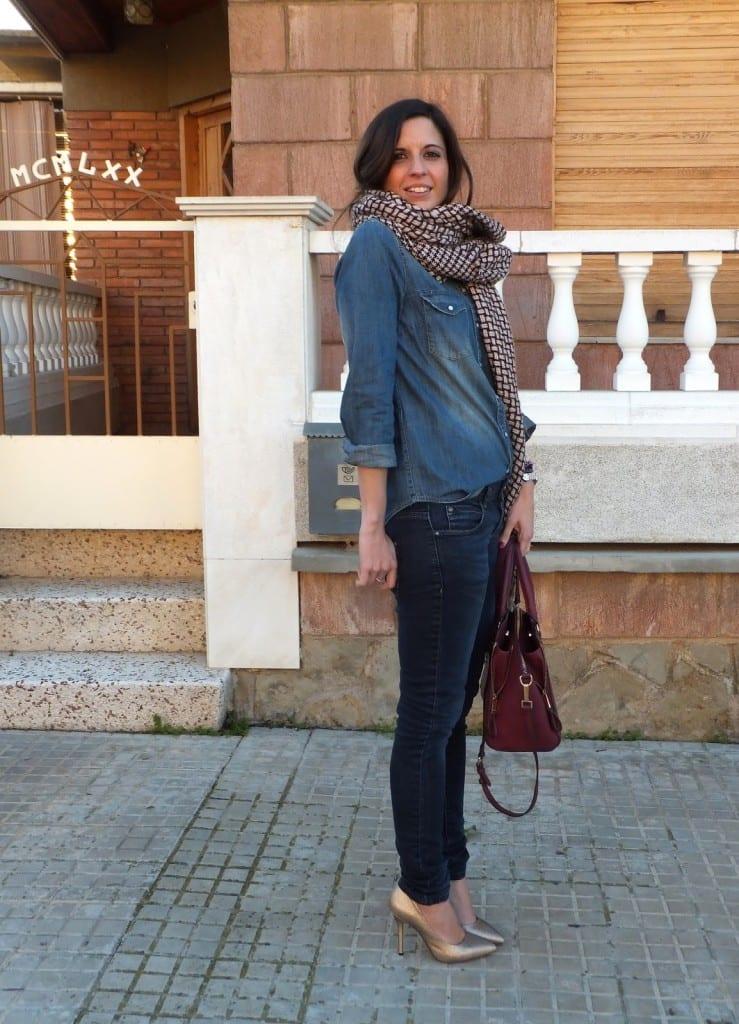 bloger española con zapatos dorados de MENBUR