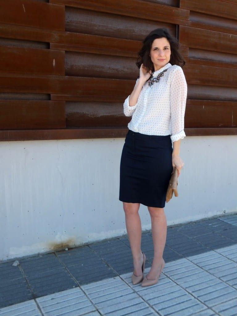 como combinar falda azul